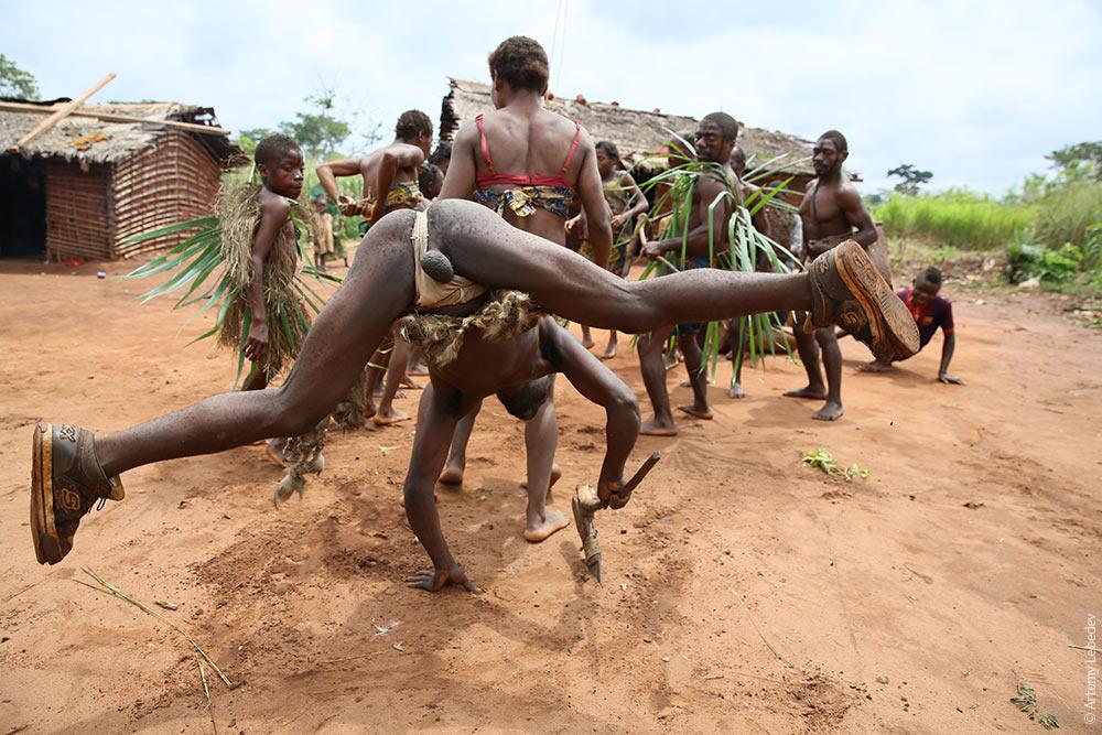 Африканские мальчики голышом фото 552-601
